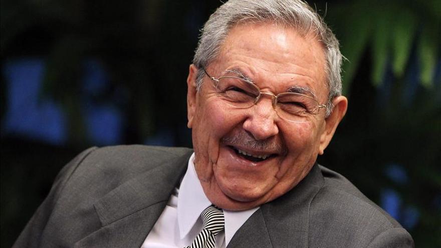 Raúl Castro llama a seguir perfeccionando la capacidad defensiva de Cuba