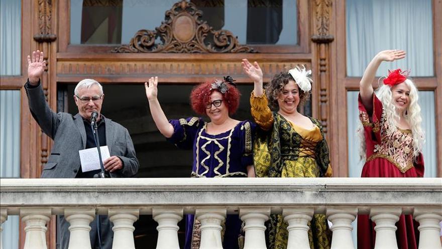Valencia recibe a las tres 'reinas magas' Libertad, Igualdad y Fraternidad