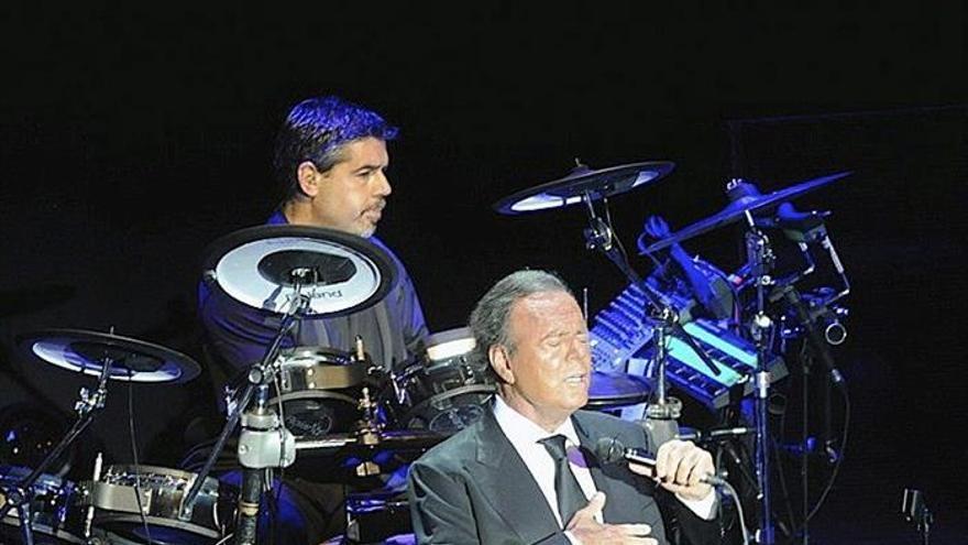 Julio Iglesias amplía su gira por Brasil con otros nueve conciertos
