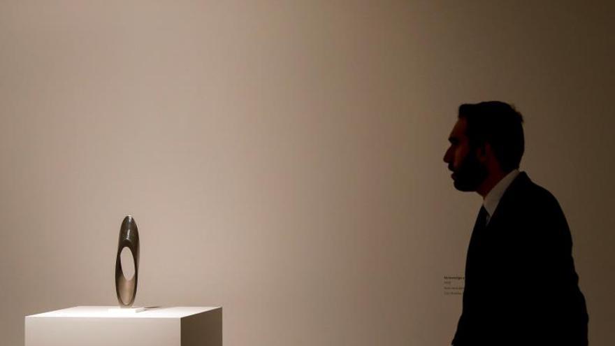 Una exposición explora el compromiso político y social de Andreu Alfaro