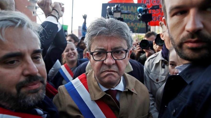 El izquierdista francés Mélenchon, condenado por rebelión contra la policía