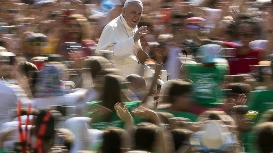 El papa convoca a los presidentes de las Conferencias Episcopales para hablar de los abusos