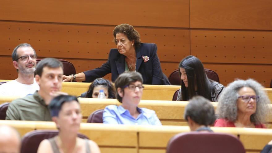 PP aprueba solo su moción sobre regeneración y la oposición le afea el caso Barberá, que vota con su antiguo partido