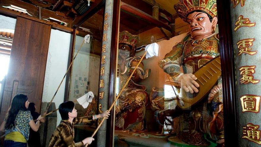 """Detenido un bloguero por """"calumnias"""" a los templos budistas de China"""