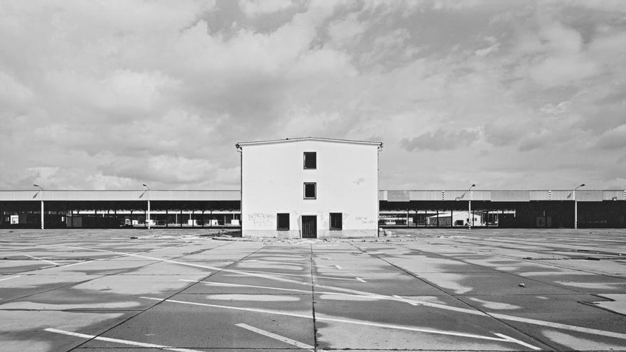 C:\fakepath\Berlinische-Galerie_Andre-Kirchner_Süd_-Dreilinden_-ehem.-Grenzkontrollpunkt-Drewitz_1993-94.jpeg
