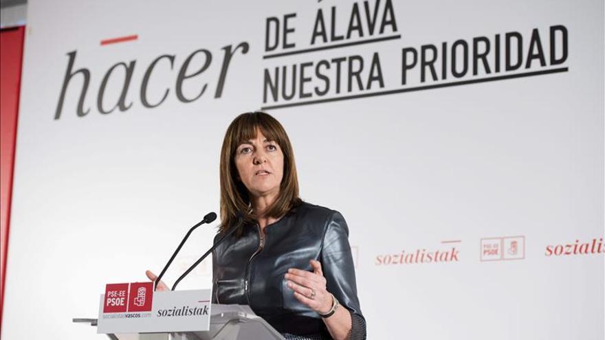 Mendia (PSE) dice que a Maroto (PP) le persigue la sombra del Rajoy de la corrupción