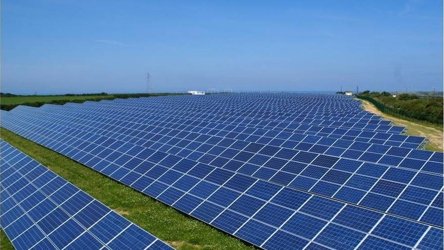 (Ampl.) Isolux pone a la venta su filial de renovables T-Solar