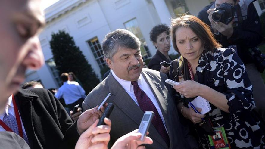 Sindicatos y ex altos cargos de Defensa se suman a la Convención Demócrata