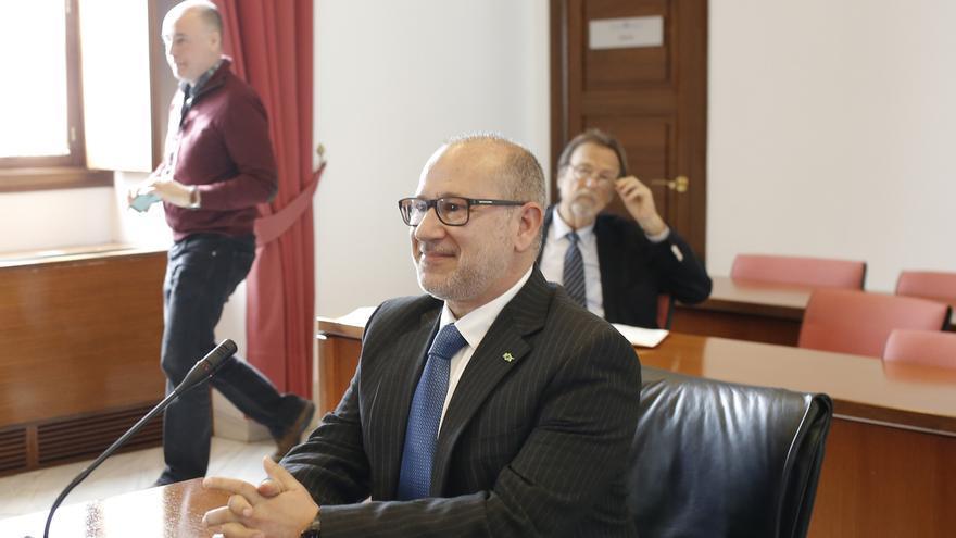 """Alcaraz (Vox) comparte el Grupo Mixto en el Senado con EH Bildu, """"amigos de los que asesinaron"""" a su familia"""
