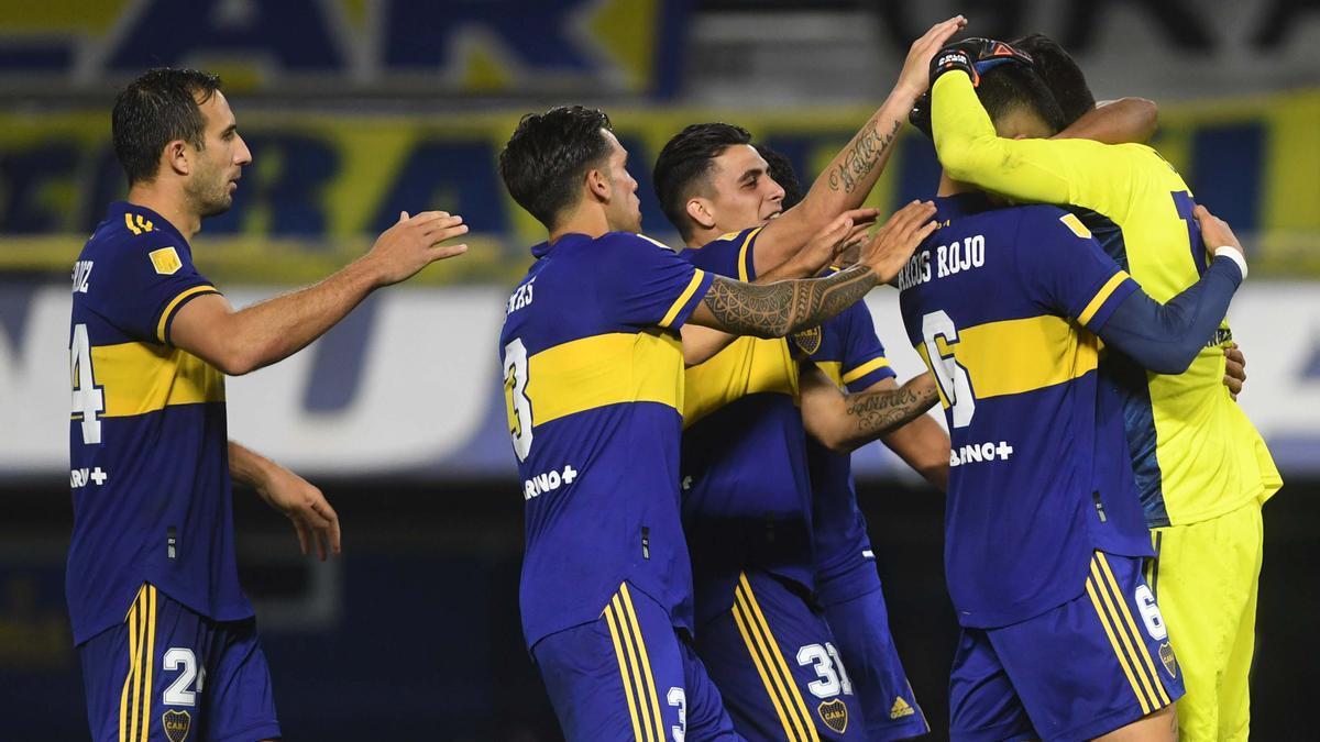 """Carlos Tevez marcó para Boca y Julián Álvarez lo hizo para River durante los 90 minutos. El defensor Julio Buffarini marcó el cuarto penal que definió el duelo a favor del """"Xeneize""""."""