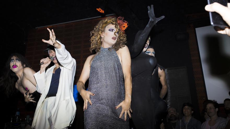 Mowgli Sevoguing, Romeo Depiê, Conxxa Vitoy y Las Vichys toman el escenario del 'Sarao Drag'