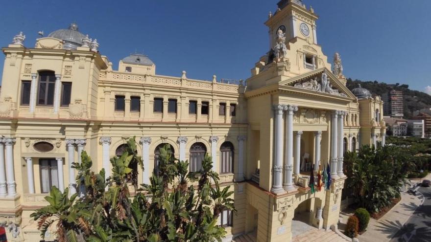 El Salón de los Espejos del Ayuntamiento de Málaga acogerá la capilla ardiente de Manuel Alcántara