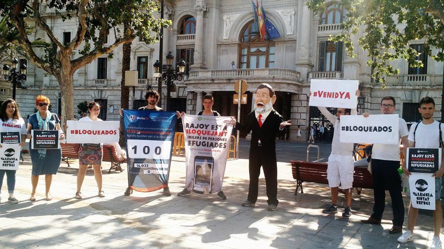 El 'cabezudo' de Rajoy en la plaza del Ayuntamiento de Valencia