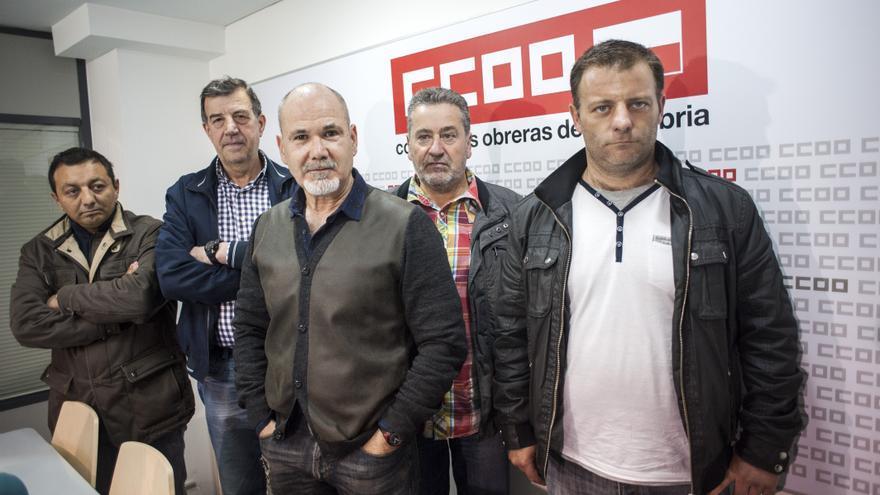 Los miembros del comité de empresa de Greyco en la sede de Comisiones Obreras.   JOAQUÍN GÓMEZ SASTRE