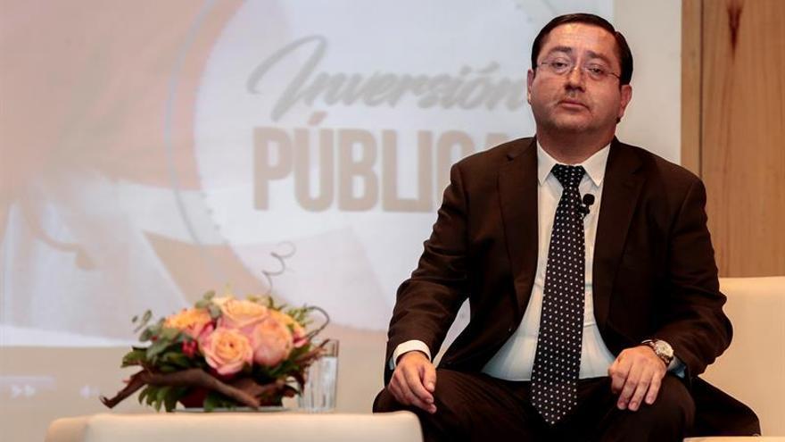 """El ministro de Finanzas descarta aplica un """"paquetazo"""" económico en Ecuador"""