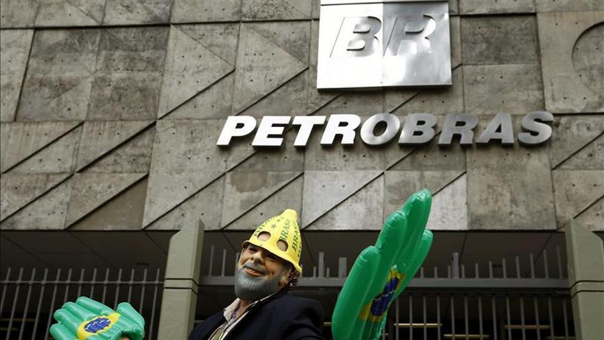 Los trabajadores de la petrolera brasileña Petrobras irán a la huelga