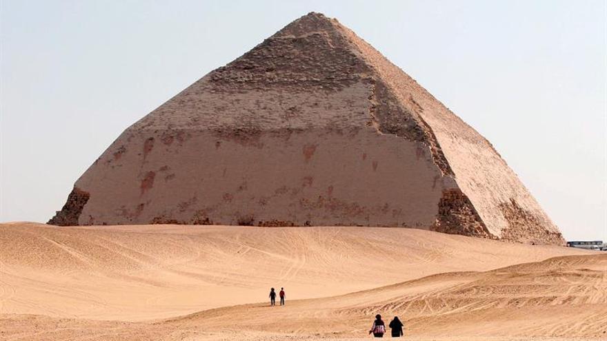 Hallada una pirámide de la dinastía XIII al sur de El Cairo