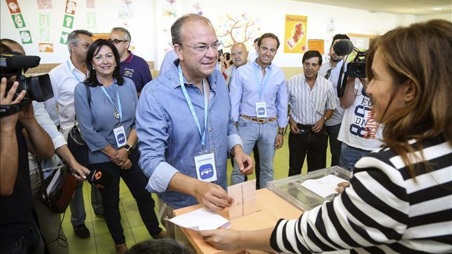 Monago felicita a Vara y propondrá al PP abstenerse en la investidura
