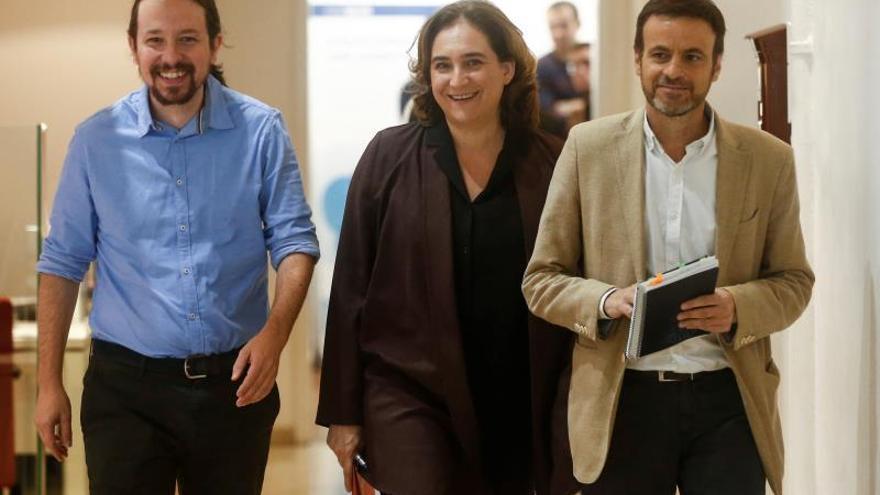 Iglesias y Colau piden un pacto entre Cataluña y España que incluya indultos