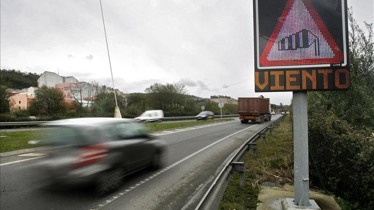 Tráfico en la autopista AG-55, en una imagen de archivo.