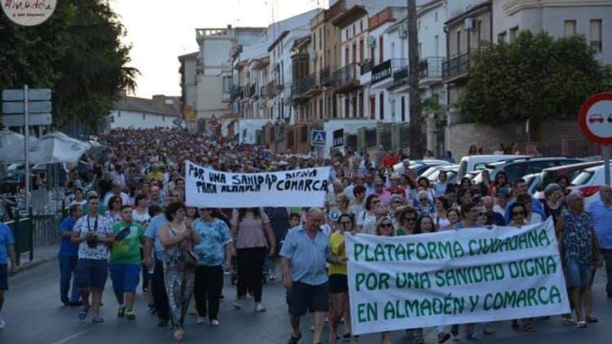 Manifestación contra la situación sanitaria en Almadén