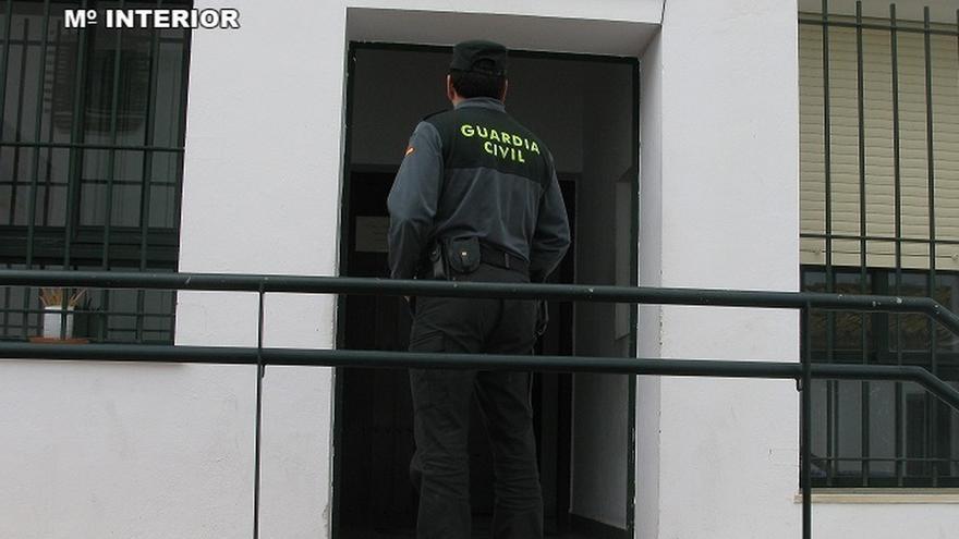 Hallan el cadáver de una mujer con signos de violencia en La Viñuela y detienen a un hombre