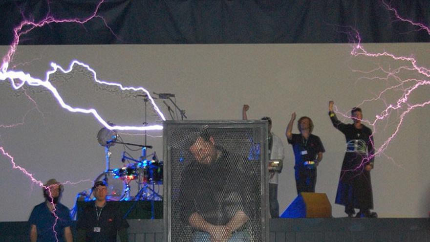 Una jaula de Faraday protegería nuestros aparatos electrónicos en una tormenta solar