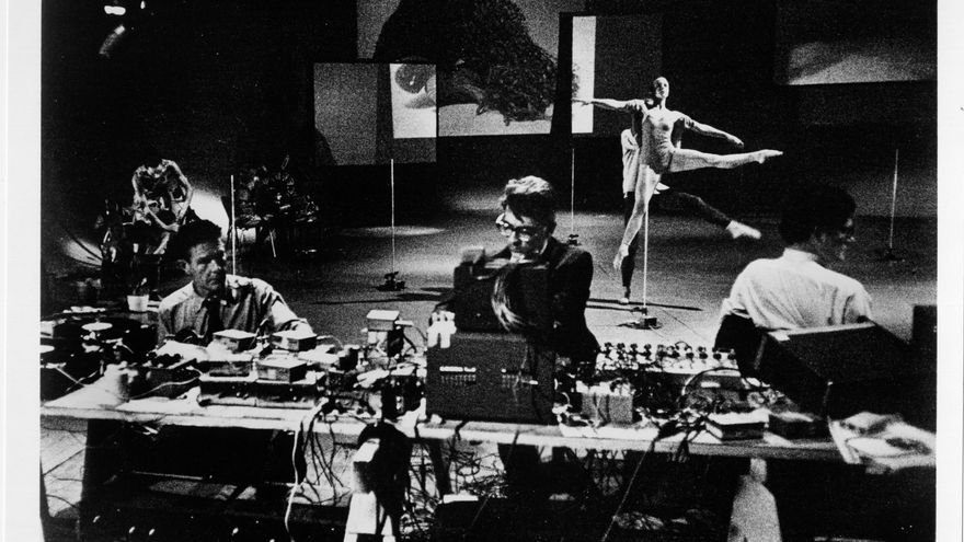 John Cage y Merce Cunningham. Variations (1966)