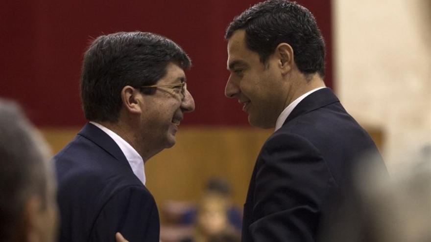 Juan Marín, vicepresidente de la Junta, y Juanma Moreno, presidente andaluz.