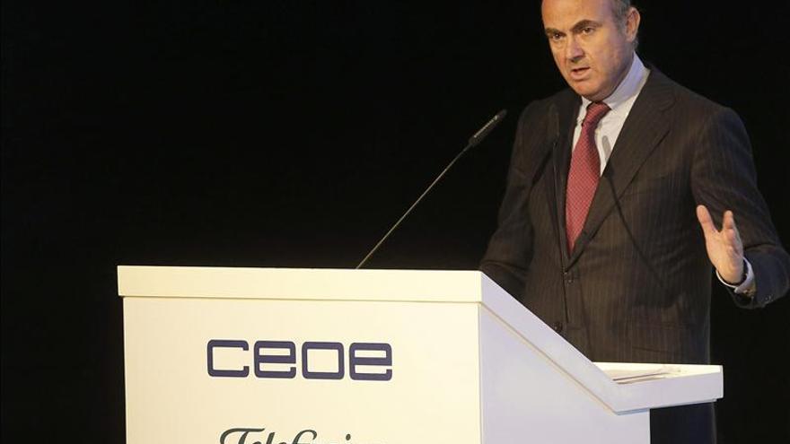 De Guindos afirma que no existe riesgo de deflación ni en Europa ni en España