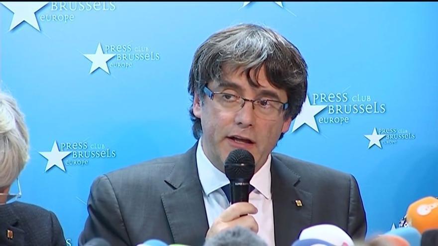 Carles Puigdemont y los cuatro exconsellers se entregan a la Policía belga