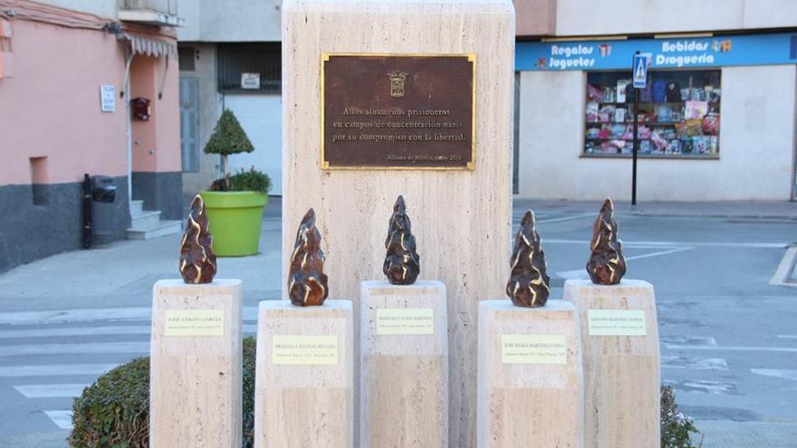 Monolitos restaurados en Alhama de Murcia