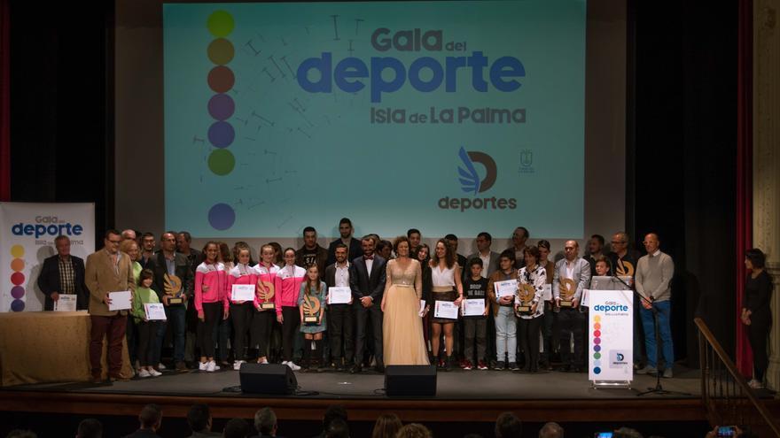 Foto de familia de la I Gala del Deporte.