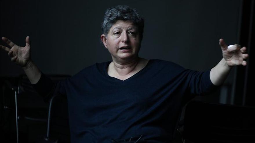 La crítica Rosa Olivares dice que ser curador, como ser artista, no se aprende