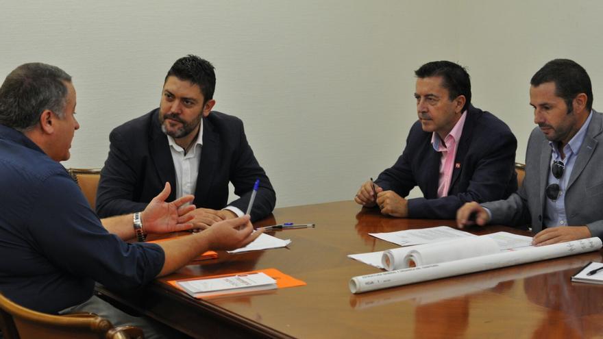 Reunión de representantes de C's con el consejero Bernabé para tratar sobre el AVE en Murcia