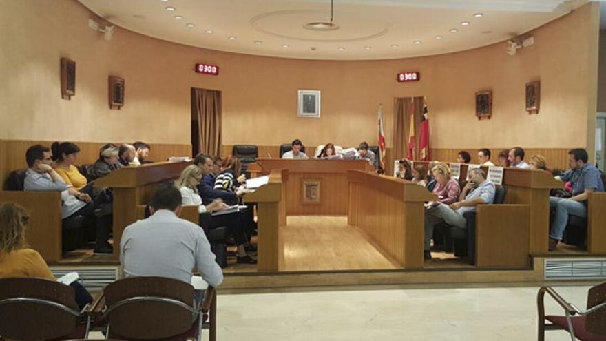 PSPV, PP y Ciudadanos acordaron en el pleno la suspensión de licencias