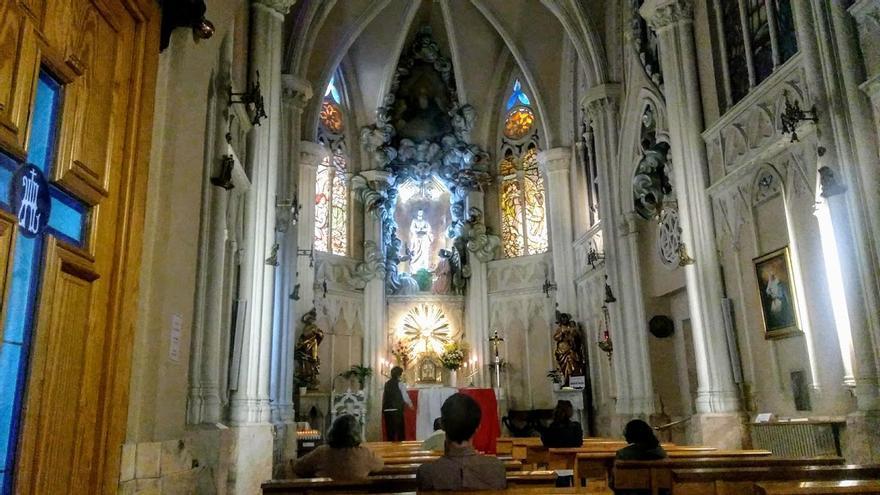 Cachito de Cielo, una capilla abierta en Madrid 24 horas para urgencias espirituales y rezo perpetuo