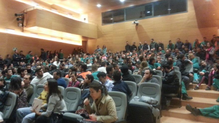 Asamblea de los trabajadores de emplea joven del Ayuntamiento de Sevilla con ccoo