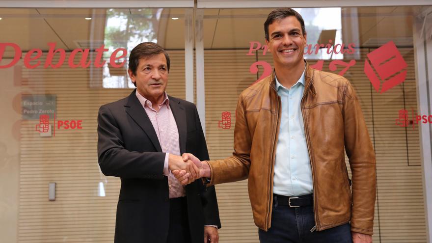 Pedro Sánchez, a su llegada al debate de las primarias del PSOE.