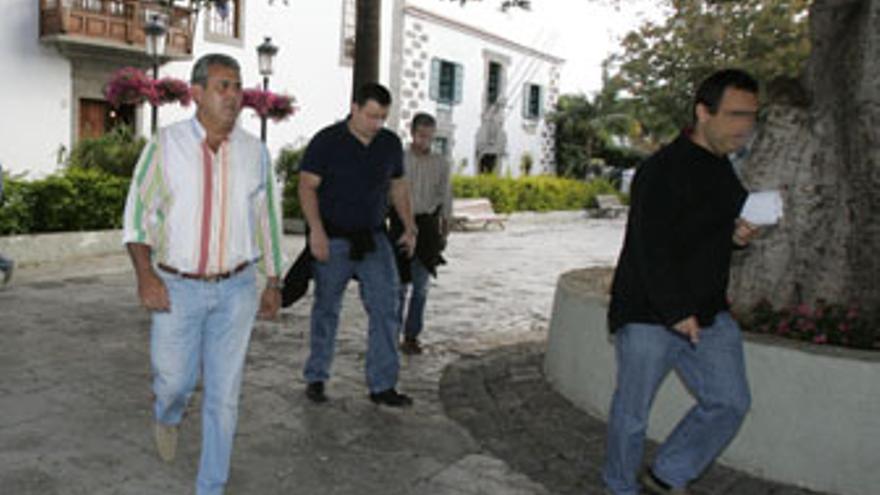 José Luis Mena, la mañana de su detención en mayo de 2007 en el marco de las operaciones 'Faycan' y 'Doramas'. (QUIQUE CURBELO)
