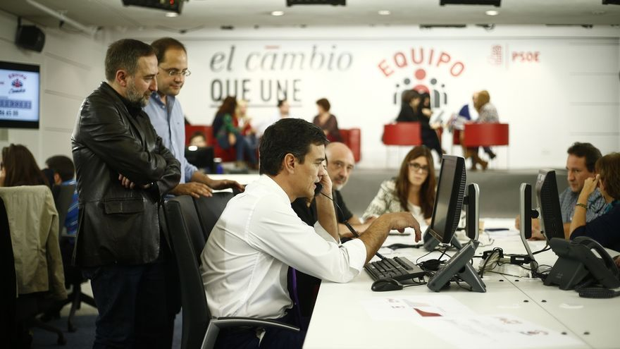 El PSOE pone en marcha un centro de llamadas para contactar y movilizar a medio millón de militantes y simpatizantes