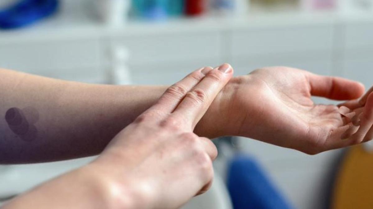 Cómo medirse la tensión arterial en casa sin tener que bajar a la farmacia