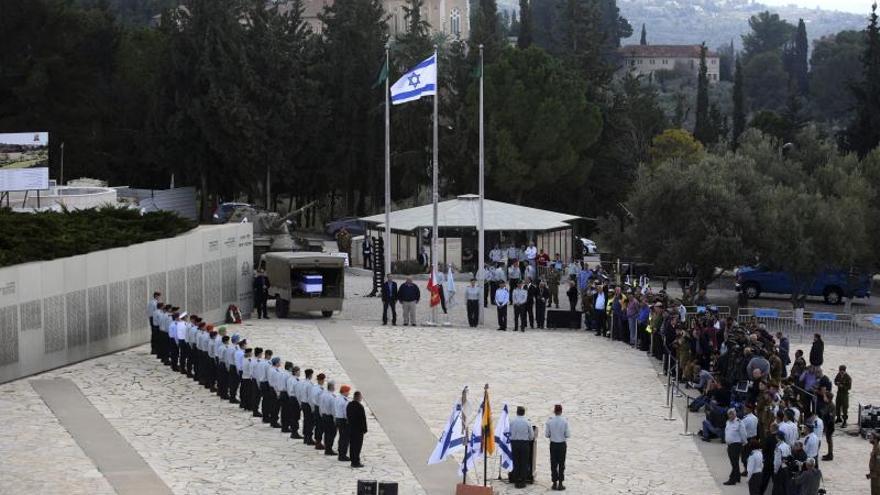 """Para Fernández es un """"privilegio"""" representar a España en el funeral de Sharon"""
