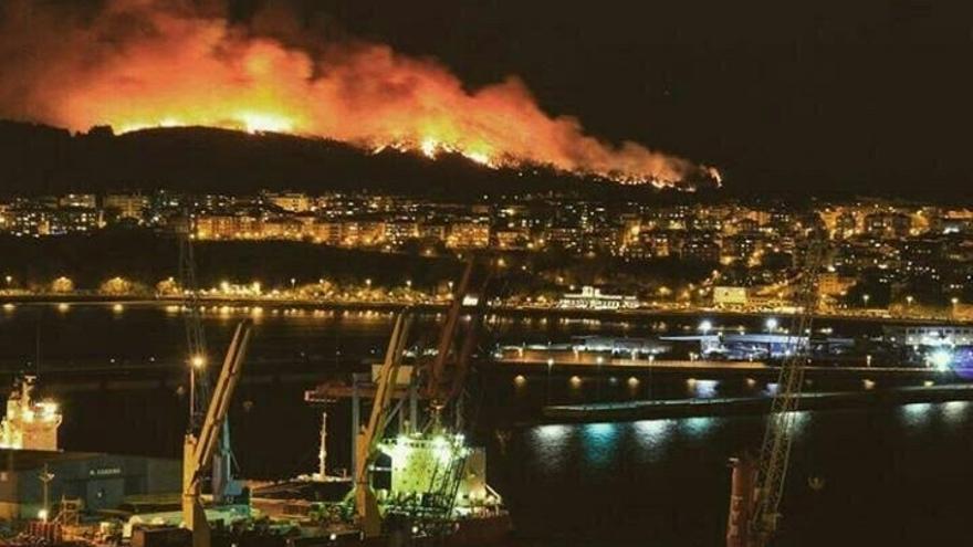 El incendio de Berango ha quedado extinguido y ha afectado a 130 hectáreas