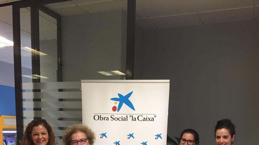 La obra social la caixa dona euros a la fundaci n for Oficina zurich los llanos de aridane