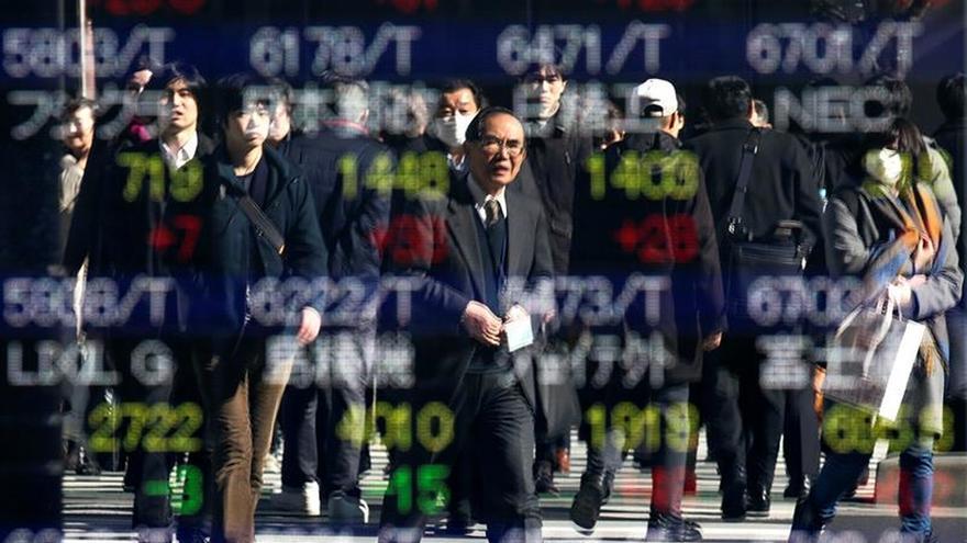 La Bolsa de Tokio abre con un avance del 0,40 % hasta los 20.710,70 puntos