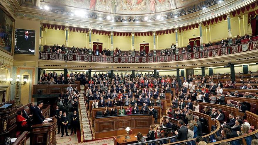 El presidente del Gobierno en funciones, Pedro Sánchez, este sábado en el Congreso de los Diputados durante su intervención en la primera jornada de su investidura como presidente del Gobierno. EFE/Emilio Naranjo