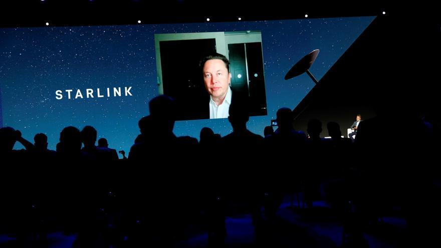 Musk prevé que Starlink cuente con medio millón de usuarios activos en un año
