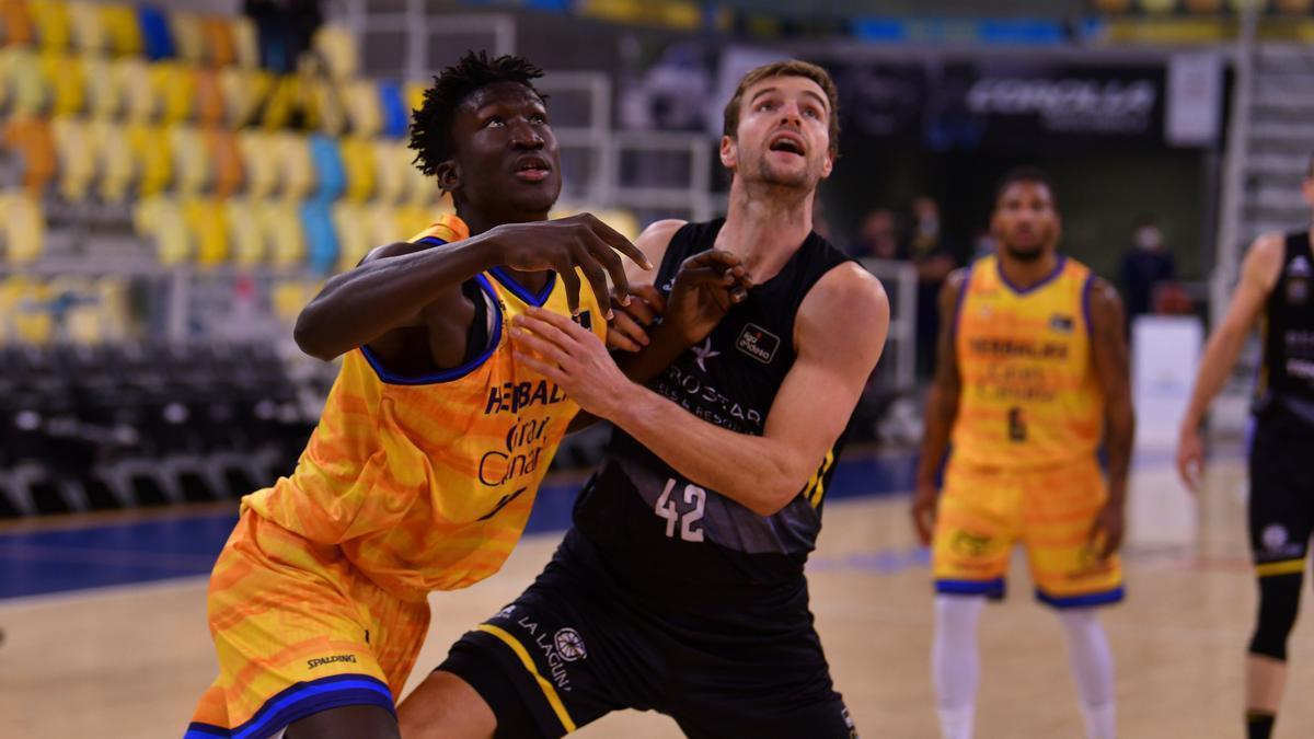Acción del encuentro en el Gran Canaria Arena