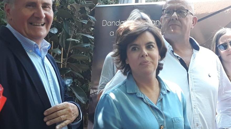 De izquierda a derecha, Arturo García-Tizón, Soraya Sáenz de Santamaría y Emilio Bravo / Europa Press